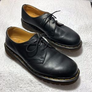 Dr Martens Made in England Black Oxfords Size US10